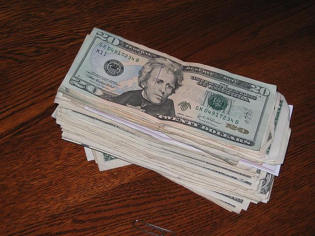 Даем деньги в долг в первый день