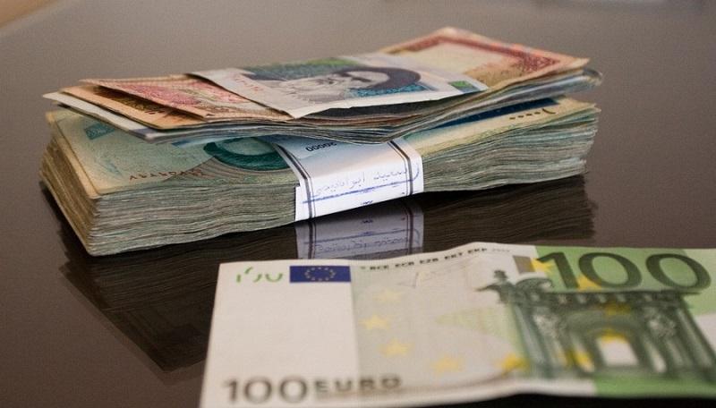 В каком банке можно взять кредит 50000