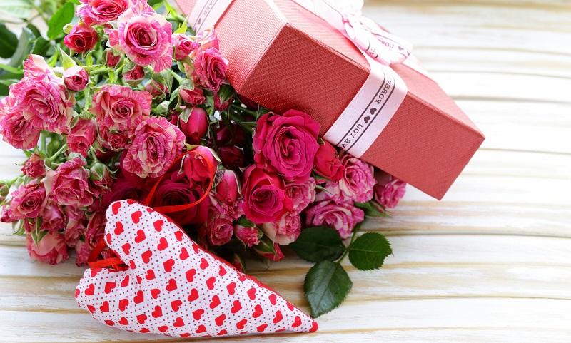 Подарки женщинам Снежинска в кредит
