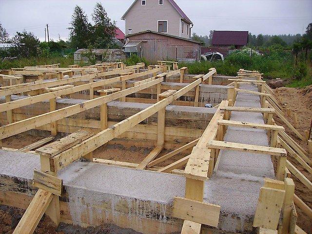 Даем деньги на постройку дома