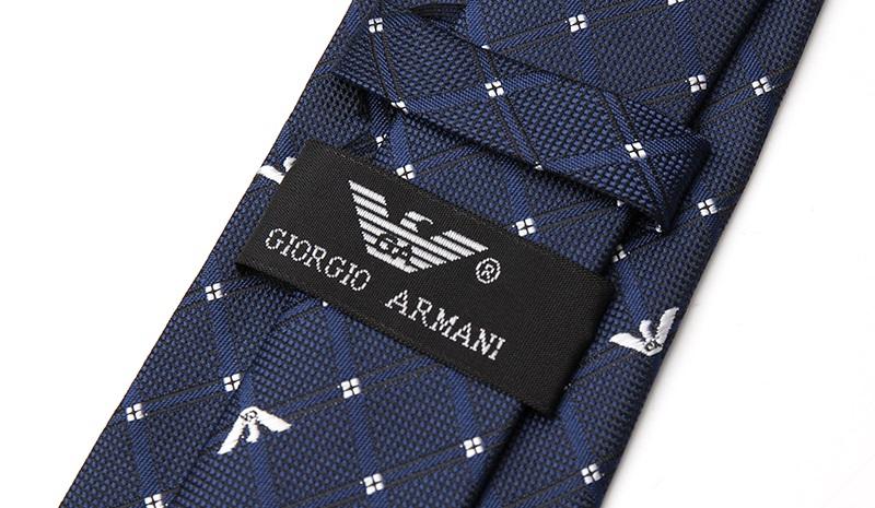 Галстуки giorgio armani покупаем в кредит