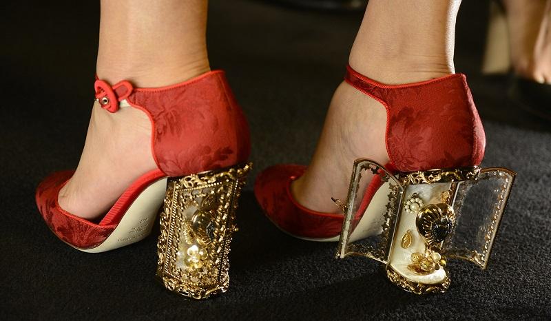 Туфли dolce gabbana на заемные деньги